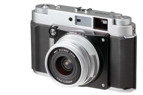 富士确认发售中画幅旁轴相机新品GF670W