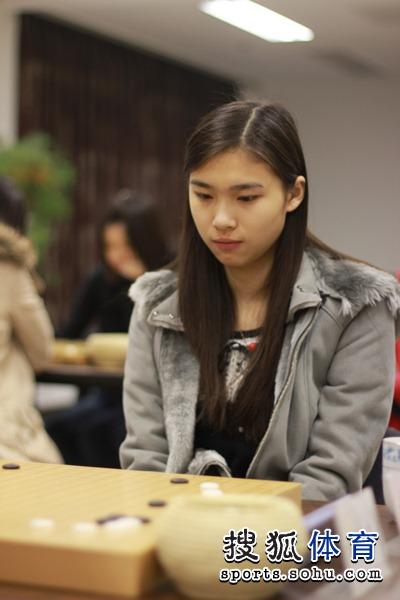 新一代美女棋手张越然
