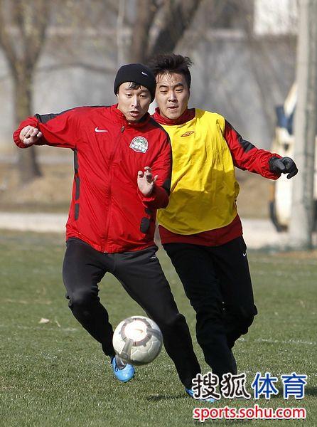 韩燕鸣2010年一直跟随河南建业训练