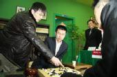 图文:LG杯朴文��胜孔杰夺冠 教练王磊参与复盘