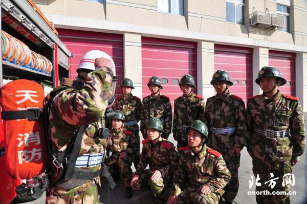 天津新兵训练图片 天津武警部队新兵训练 中国陆军新兵训练图片图片
