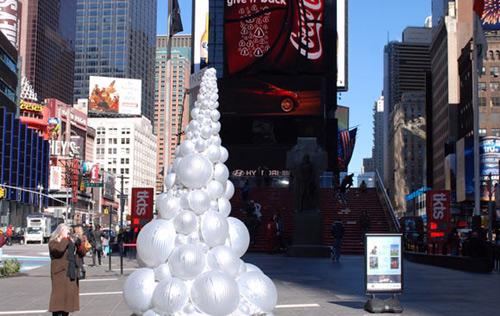 开幕 群羊涌入纽约时代广场