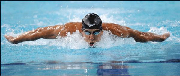 菲尔普斯在蝶泳比赛中