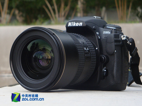 图为:尼康数码单反相机D300S-一镜走天下 尼康中端旗舰D300S套机