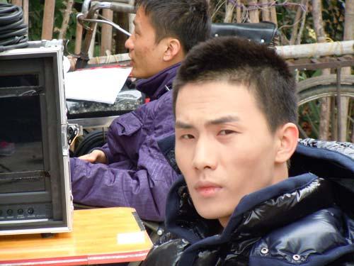 李彦明曾在《山楂树》中饰演李健康