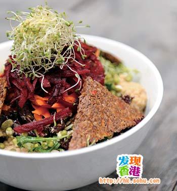 Life Salad以多种新鲜蔬菜及果仁制成,是餐厅最受欢迎的食品之一。HKD80