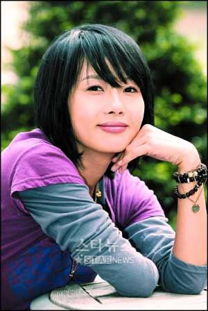 上吊时间:2007年2月10日,得年26岁   主要作品:韩剧《嫂嫂19岁》