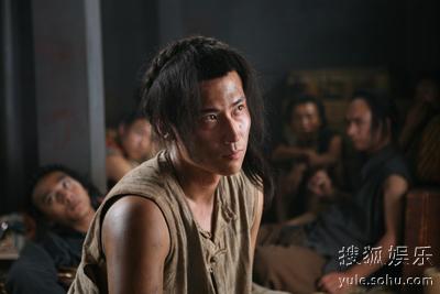 """刘立:被抓进猪仔笼的""""黄欲达""""心中仍满是复仇"""