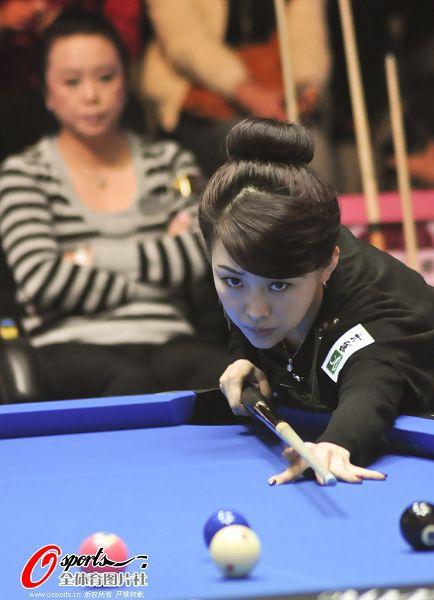 之源盃世界女子花式撞球公开赛16日在台北举行,英国选手艾莉森.