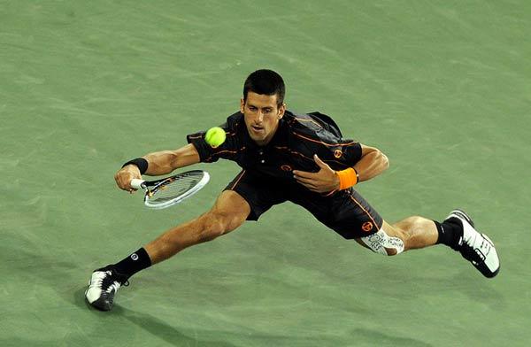 打网球_黎明为香港演唱会练气每天打网球2小时图