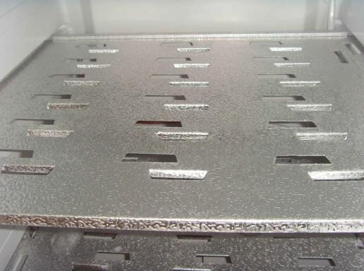 海尔冰箱的铝管蒸发器,质量高,耐腐蚀。