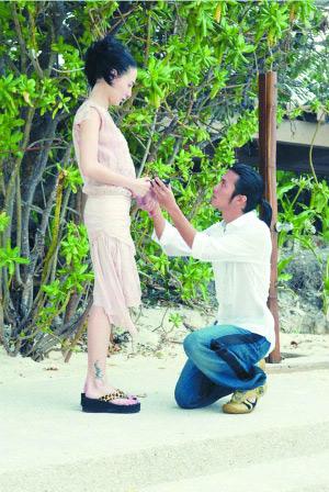 谢霆锋下跪求婚