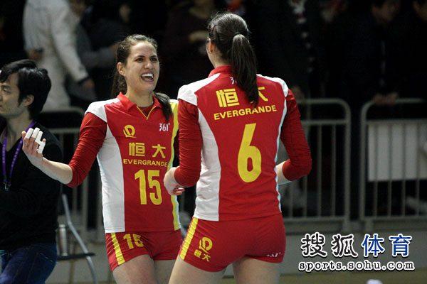 图文:[女排]恒大3-1上海 汤姆洛根激动