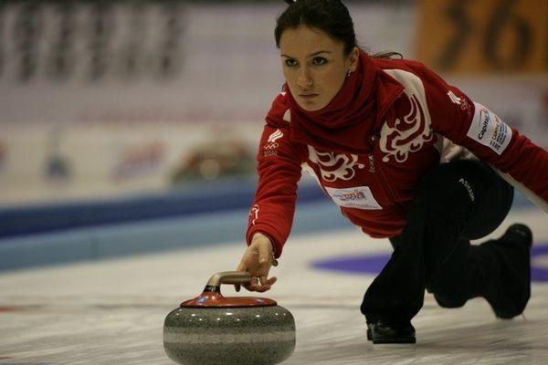 图文:冰壶世锦赛第六日 俄罗斯美少女
