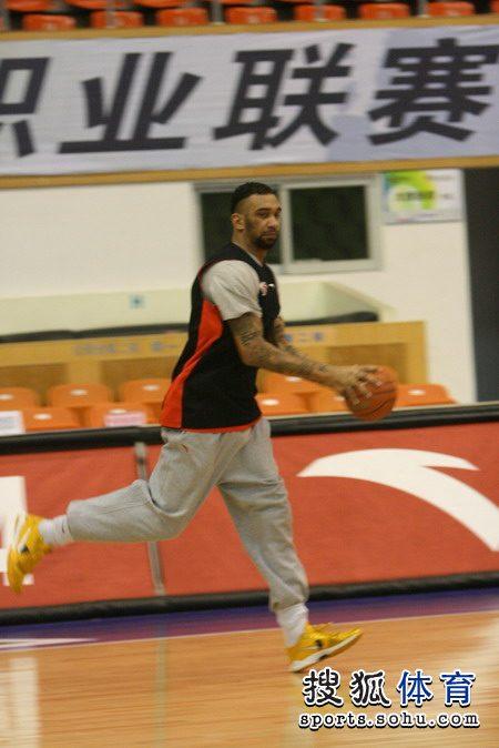 拉莫斯跑篮练习