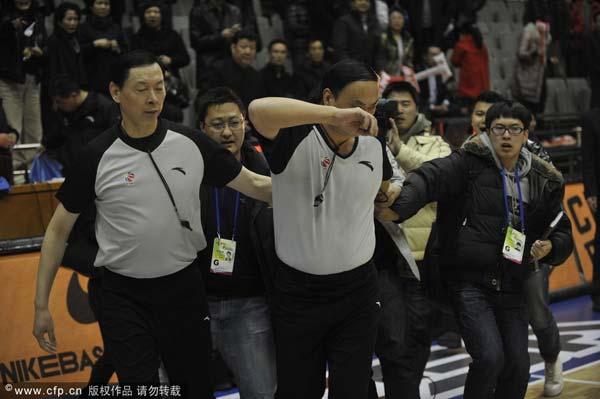 北京记者围堵裁判