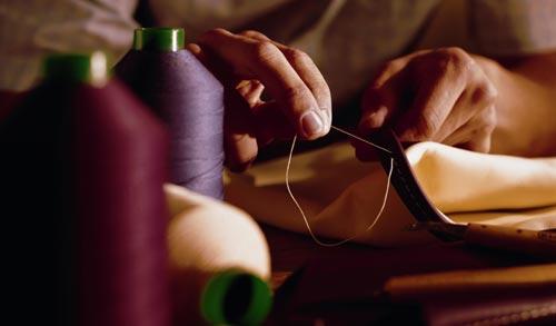 以手工缝制的宾利真皮内饰,堪称全球汽车典范
