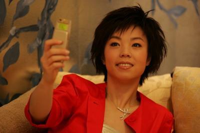 图文:张怡宁经典写真 红妆女孩可爱秀丽