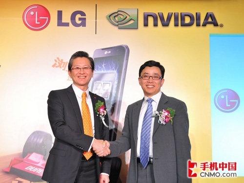 全球首款双核智能机 LG擎天2X正式发布