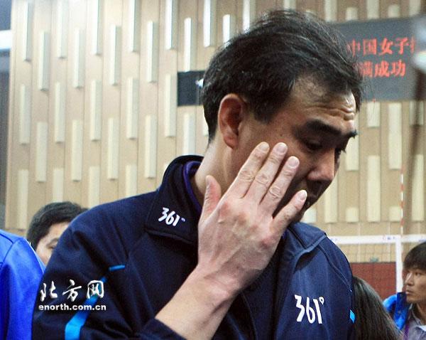 输的憋屈,刘晓明也落下男儿泪
