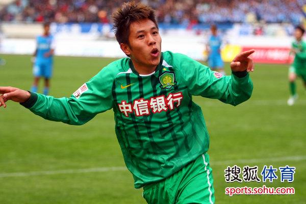 王长庆庆祝进球