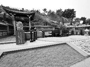"""厦门同安区西柯镇的厦门安乐永久墓园200多平方米的""""天价""""墓。"""