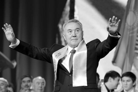 扎尔巴耶夫连任哈萨克斯坦总统图片