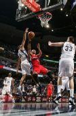 图文:[NBA]快船胜灰熊 巴蒂尔防守