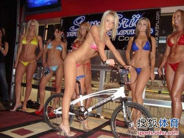 比基尼美女秀单车诱惑 搜狐