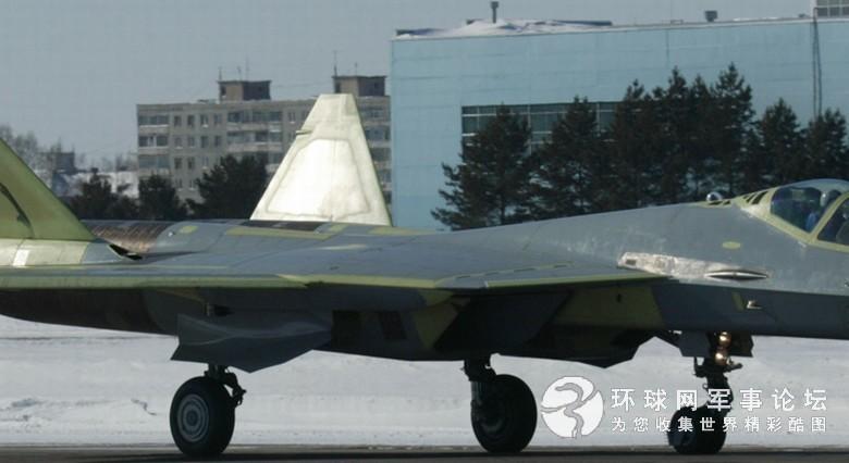 俄第2架T50首飞成功 与第1架差别大(组图)