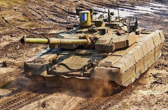 """乌克兰最新研制的""""堡垒""""-M型主战坦克。"""