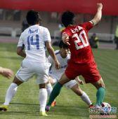 图文:[中超]河南0-0天津 李准叶突破