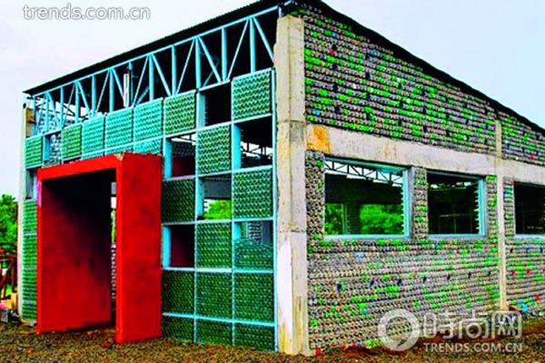 学校 购物//6菲律宾 塑料瓶做的学校