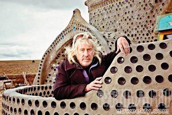 麦克·莱诺兹 美国持照建筑师 Earthship地球之舟发明人