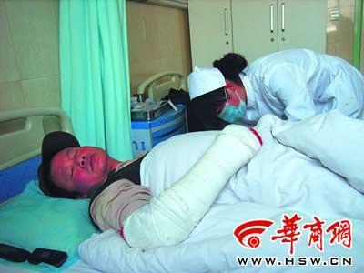 因为要求工程返工,吴井贵被打伤导致脾脏摘除 本报记者 卫楠摄