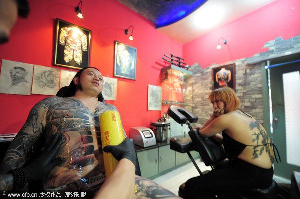记者走访太原一家纹身店