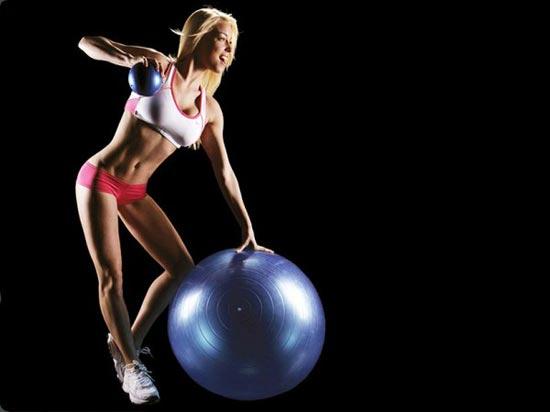 组图:美女健身挑战高难动作 大秀健康曼妙身姿图片
