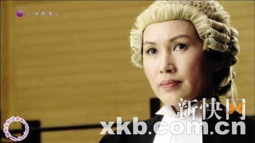 陈秀雯在《法网群英》中饰演检察官.