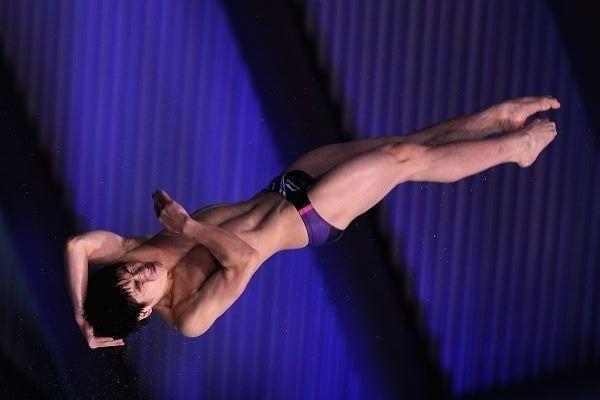 图文:跳水系列赛英国站次日 火亮空中转体