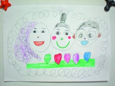 """儿童画""""我们一家"""".    图片"""