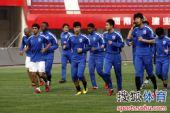 图文:[中超]申花备战建业 球员集体慢跑