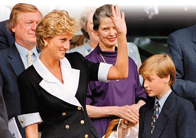 威廉(右)对亡母戴安娜王妃(左)的思念从未消减