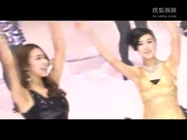 求色女视频_视频:现代展台韩国艳色美女热辣劲舞