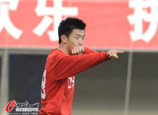 杨旭庆祝进球