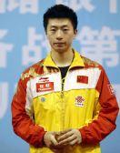 图文:世乒赛热身赛男单决赛 马龙在颁奖仪式上