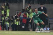 图文:[中超]北京VS大连 大格狂欢庆祝