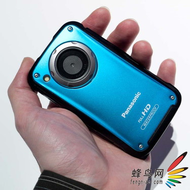 松下近日推出五款便携型数码摄像机产品