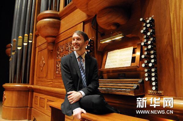 """巴黎圣母院首席管风琴演奏家拉特里将在台北奏响""""图片"""
