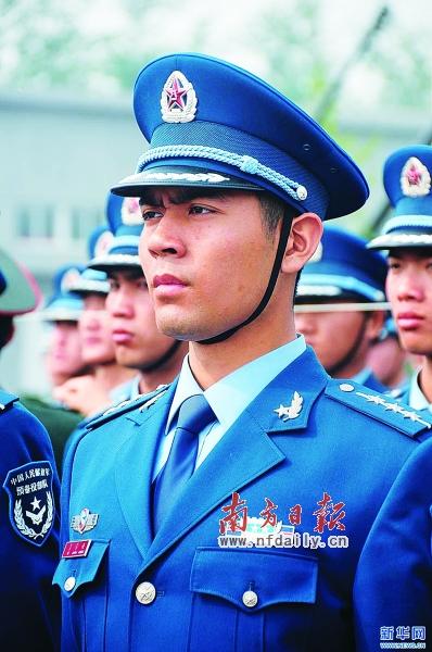 07式军服的军衔识别问题图片