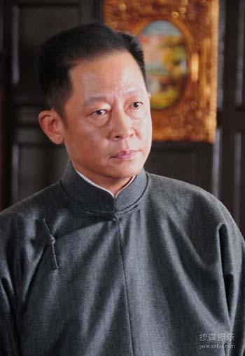 王志文饰演的丁默群性格多面。
